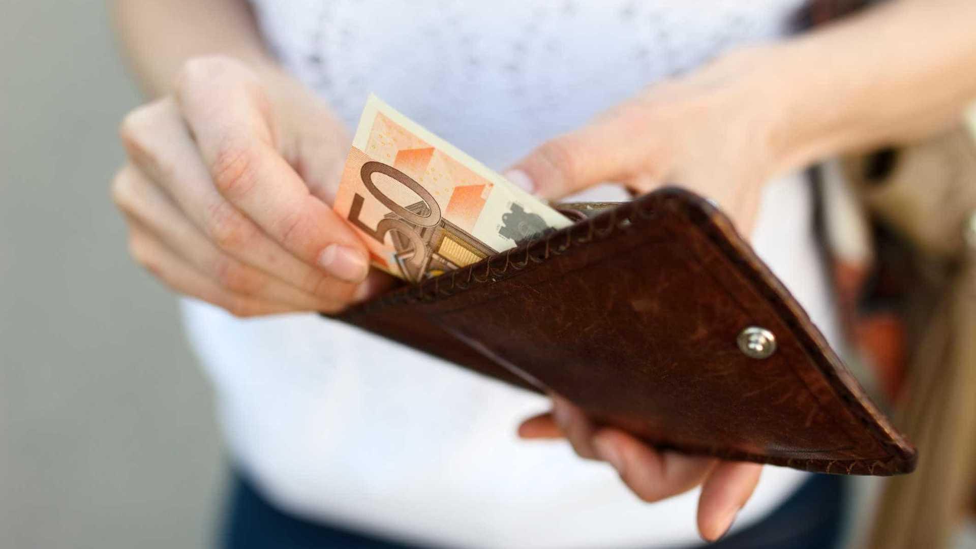 Banco Pode Reter Salário Para Pagamento De Divida?