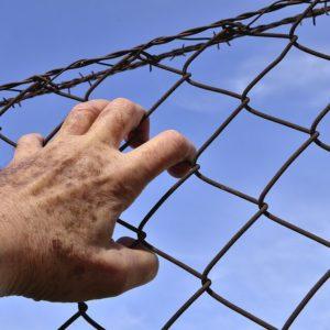 Indenização por dano moral decorrente de perseguição, tortura, prisão e morte, por motivos políticos